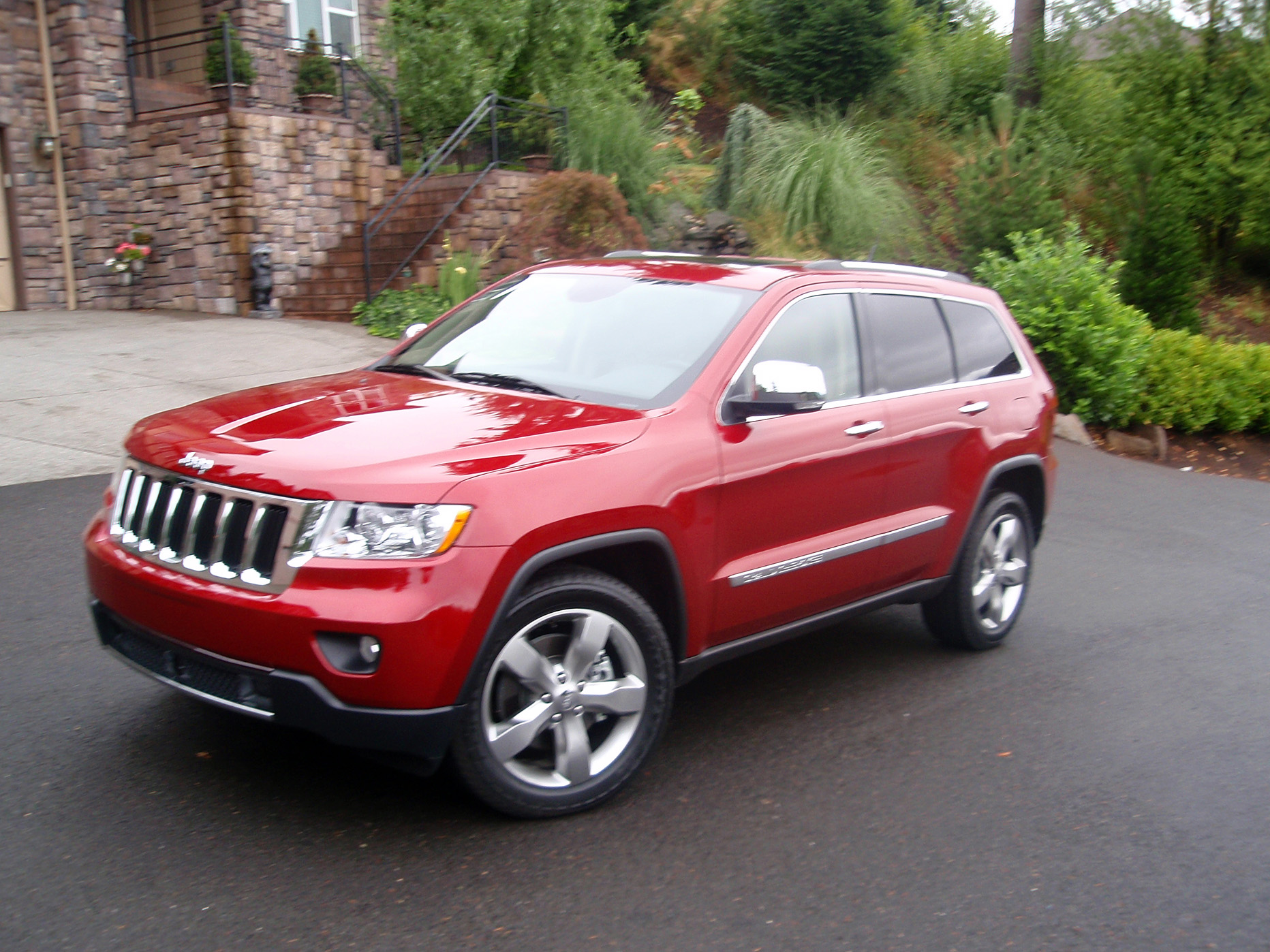 road test jeep grand cherokee our auto expert. Black Bedroom Furniture Sets. Home Design Ideas
