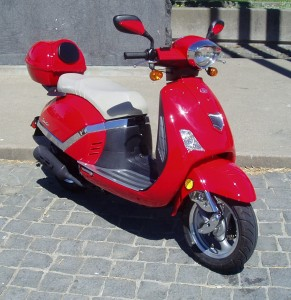 Test Ride: 2008/09 Flyscooter LaVie