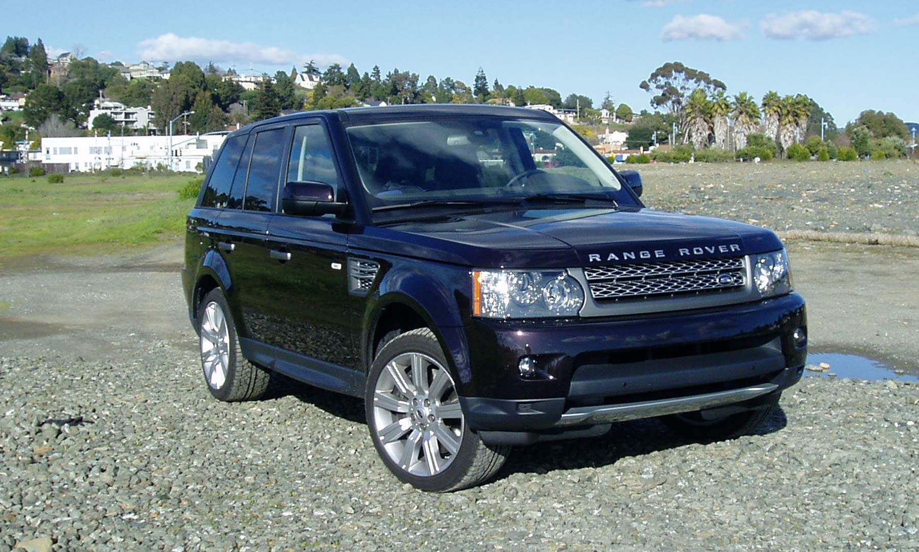 test drive 2011 range rover sport supercharged our auto expert. Black Bedroom Furniture Sets. Home Design Ideas