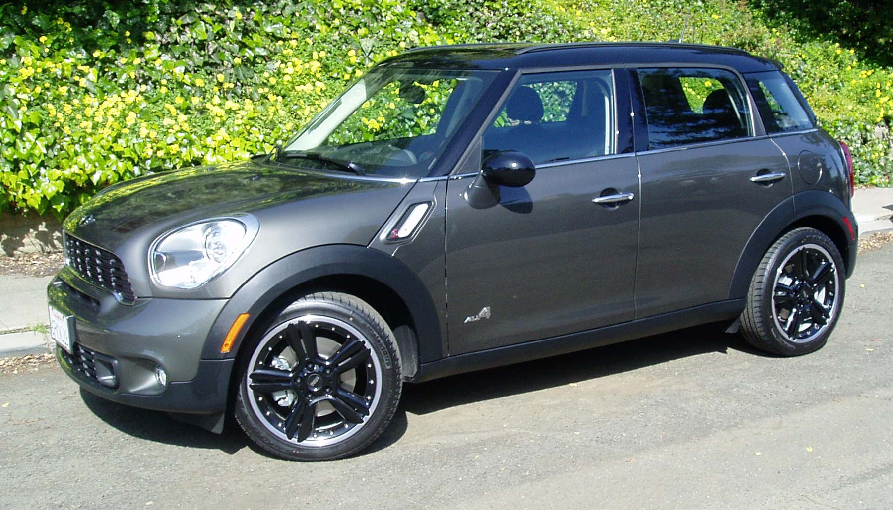 Test Drive 2011 Mini Cooper S Countryman All4 Our Auto Expert