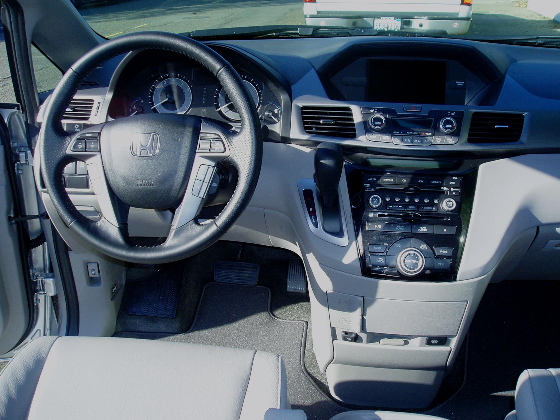 Kelebihan Honda Odyssey 2012 Tangguh