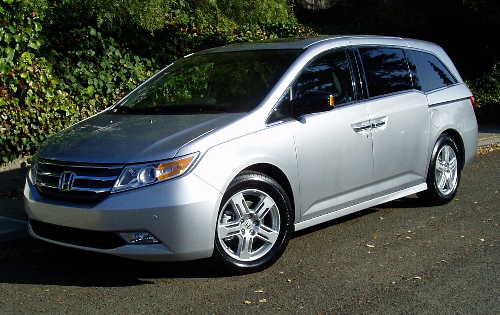 Test Drive 2012 Honda Odyssey Touring Elite Our Auto Expert