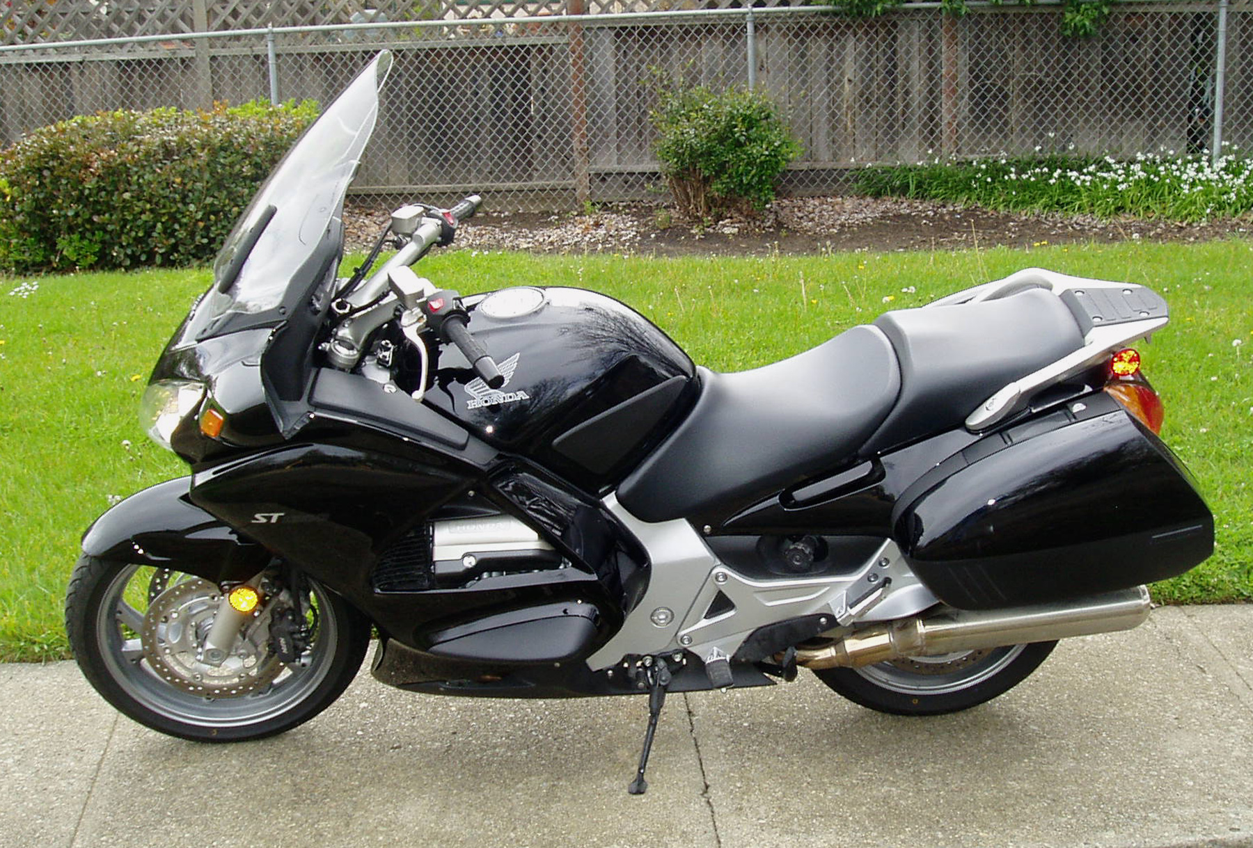 Pleasant Test Ride 2012 Honda St1300 Abs Sport Tourer Our Auto Expert Ncnpc Chair Design For Home Ncnpcorg