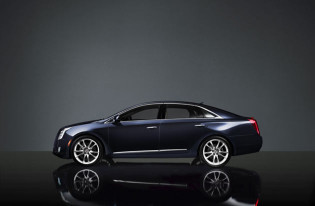 2013 Cadillac XTS - Side