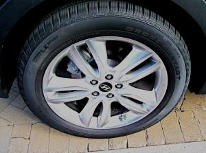 2013 Hyundai Santa Fe - Wheels