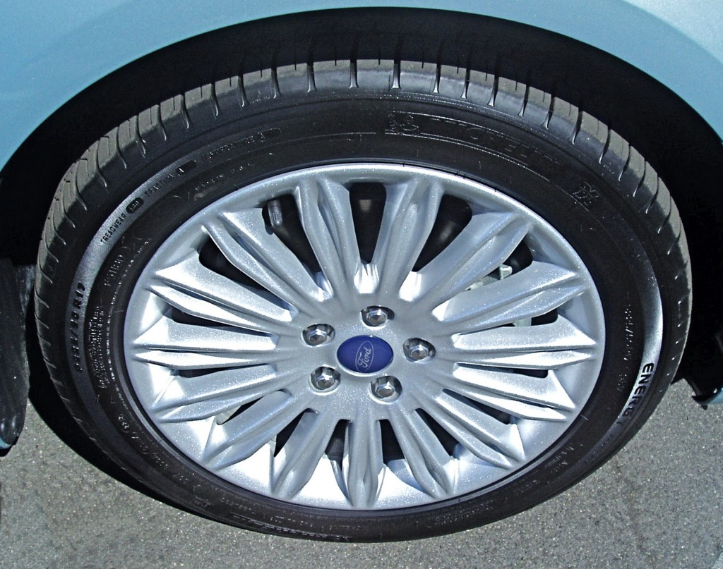 2013 Ford Fusion - Wheels