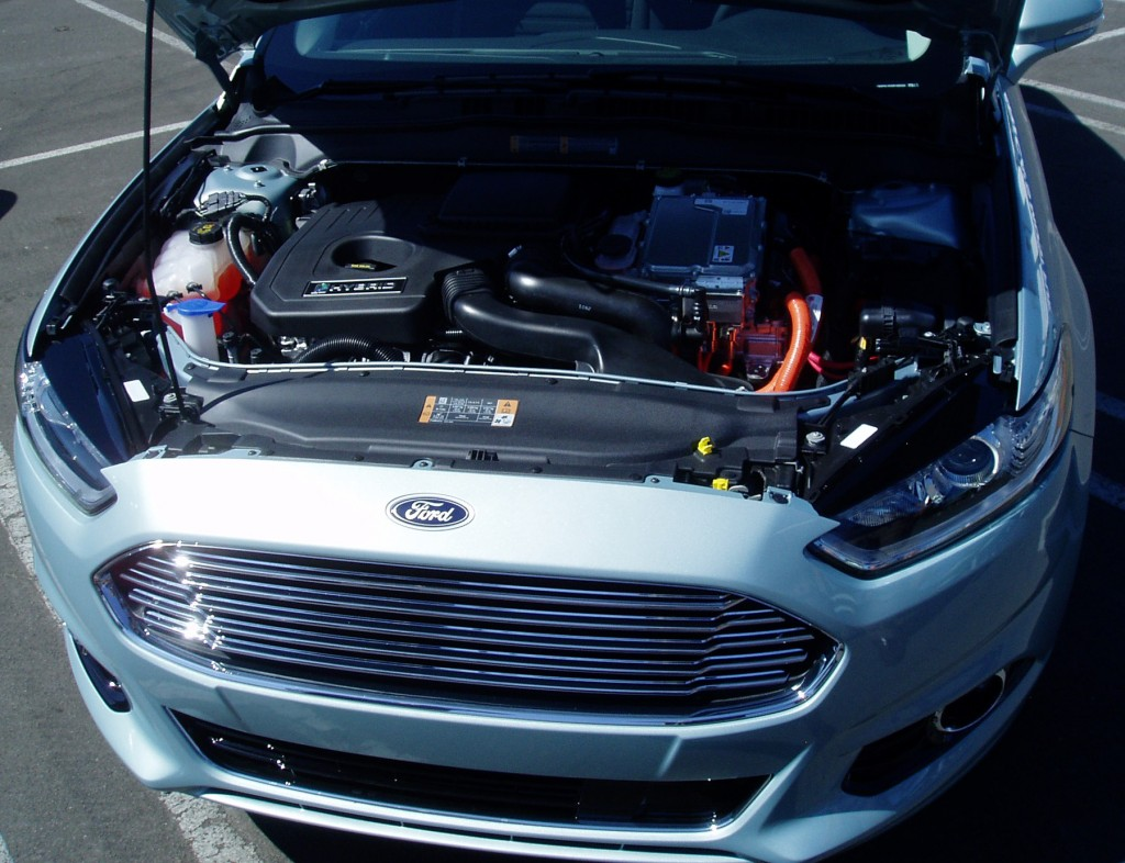2013 Ford Fusion - Engine Compartment
