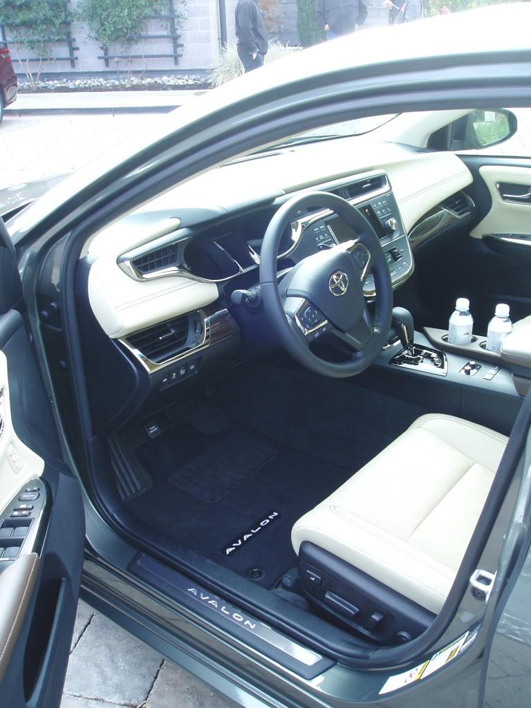 2013 Toyota Avalon - Interior
