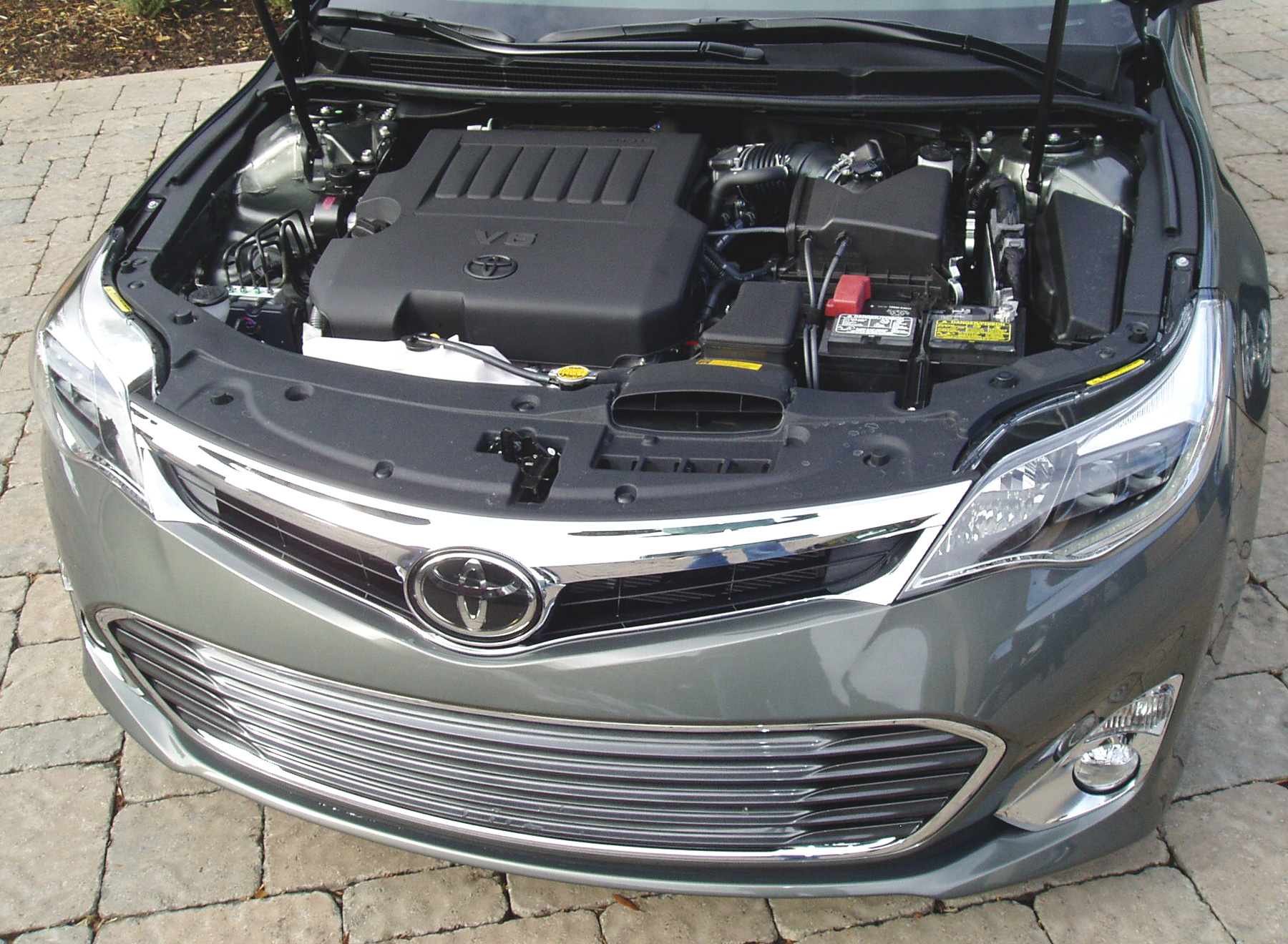 2017 Toyota Avalon Engine Compartment