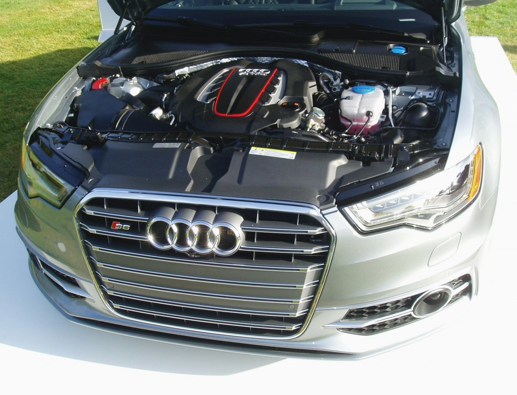2013 Audi S6 - Engine compartment
