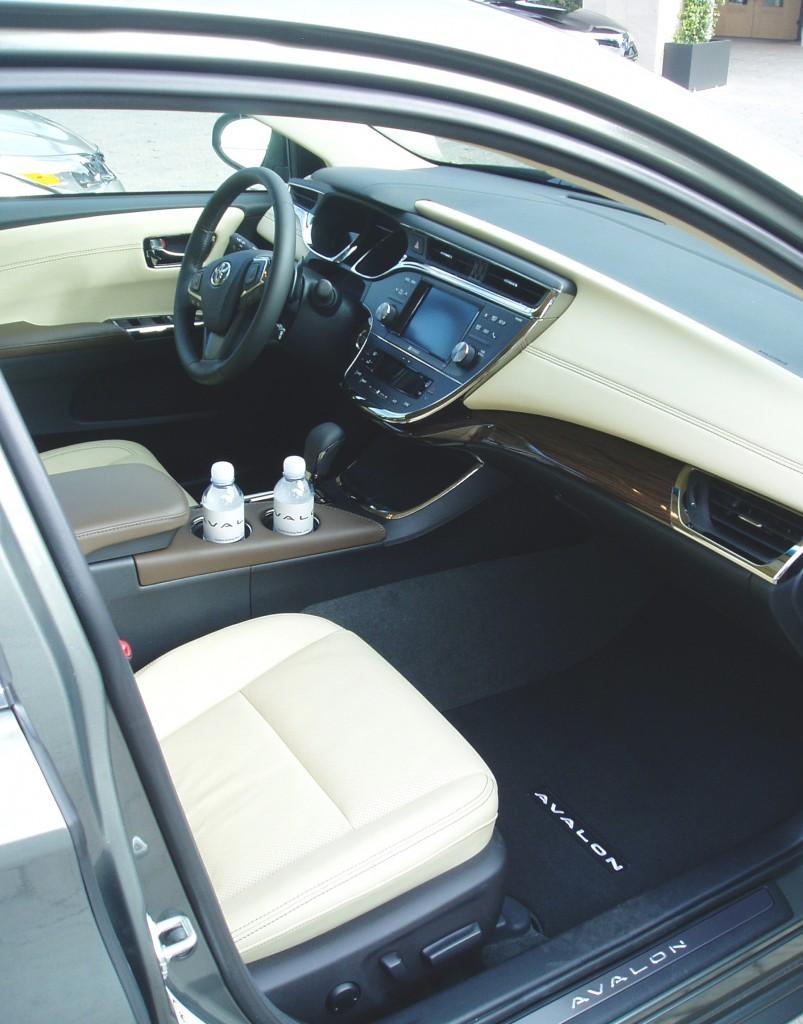 2013 Toyota Avalon - Passenger