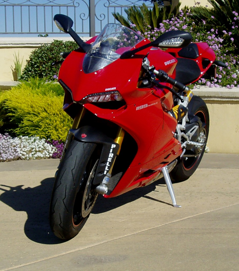 2012 Ducati 1199 S Panigale - front view