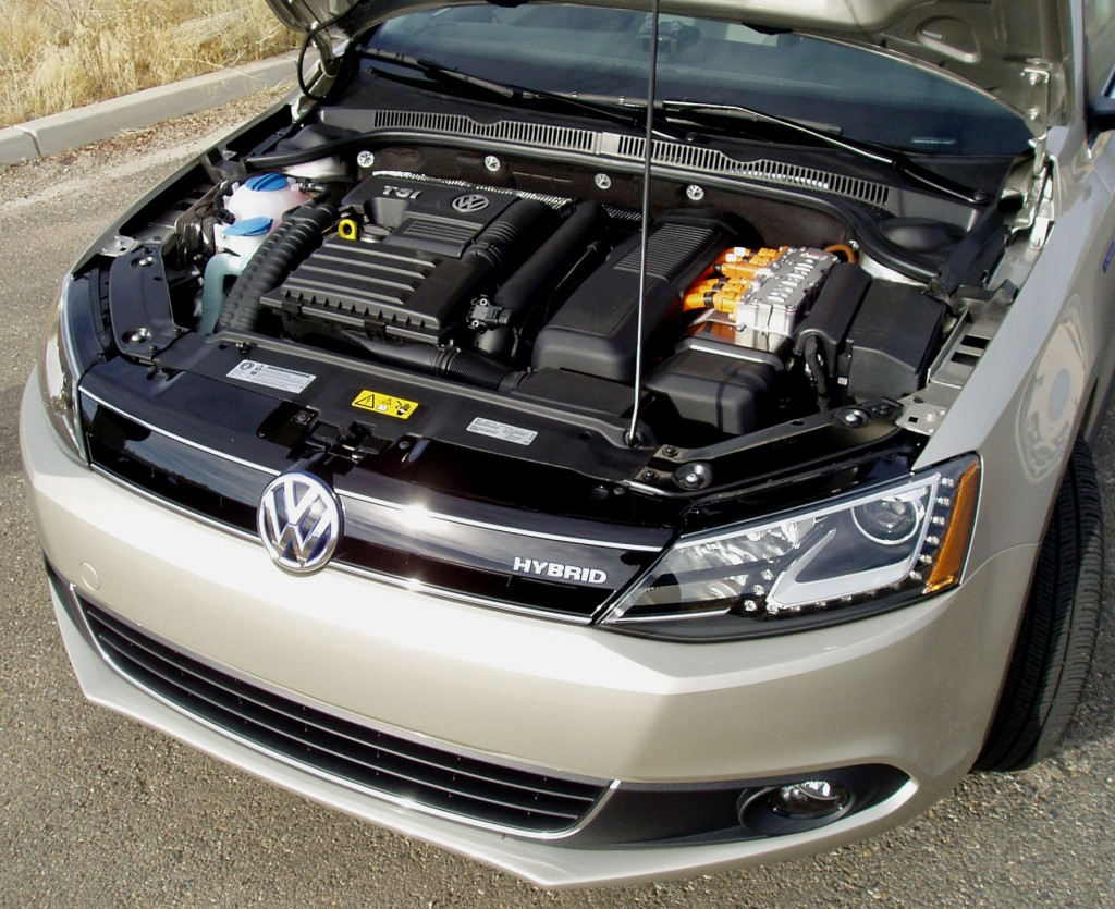 2013 Volkswagen Jetta  - Engine Compartment