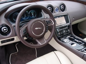 2013 Jaguar XJ- Steering wheel