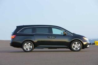 2013 Honda Odyssey - side