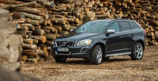 2013 Volvo XC60 front view