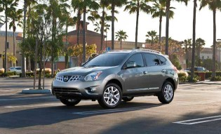2013_nissan_rogue_body
