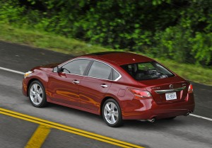 2013 Nissan Altima 3.5 SL - Action shot