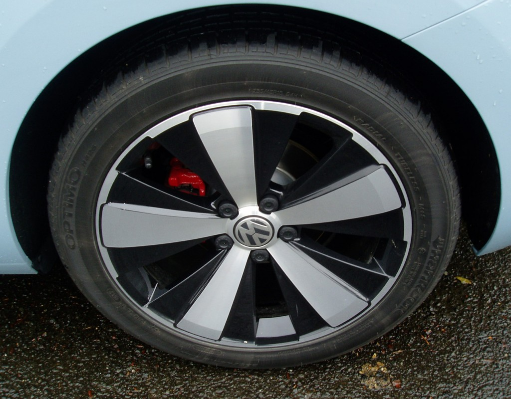 2013 Volkswagen Beetle Convertible - Wheels