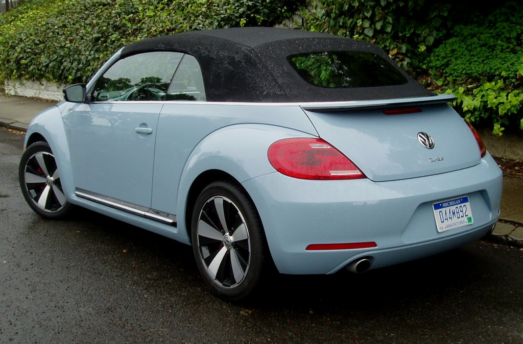 2013 Volkswagen Beetle - Side view