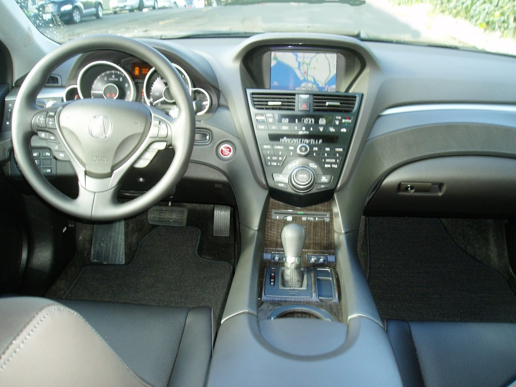2013 Acura ZDX Closeup Interior