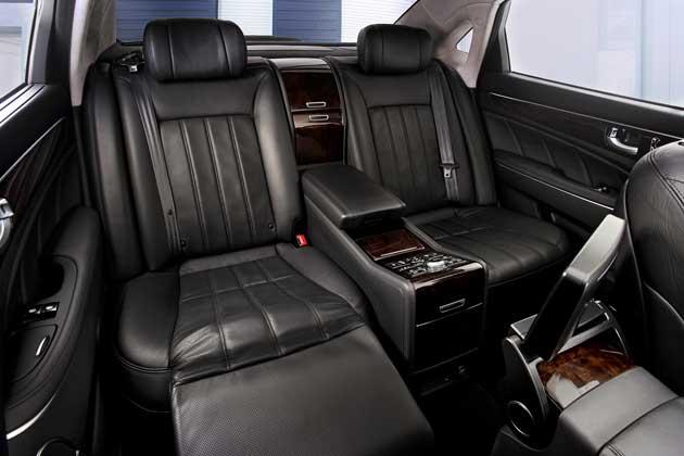 2013 Hyundai Equus - rearseat