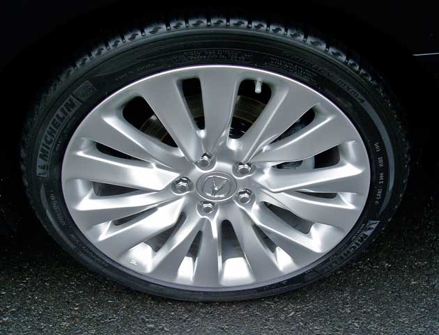 2014 Acura RLX - Wheels