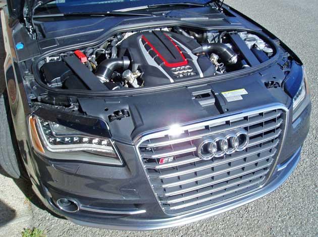 2013-Audi-S8-Eng