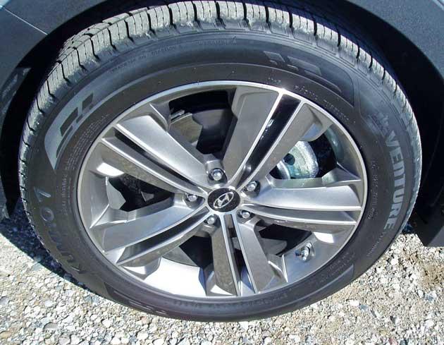 Hyundai-Santa-Fe-Wheel