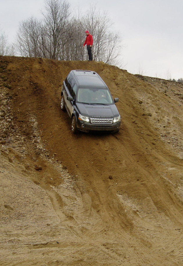 Land Rover LR2  - Taking it down a steep slope
