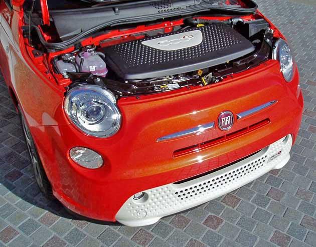 2013-Fiat-500e-Eng
