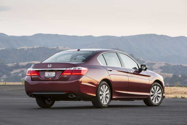 2013 Honda Accord sedan rear