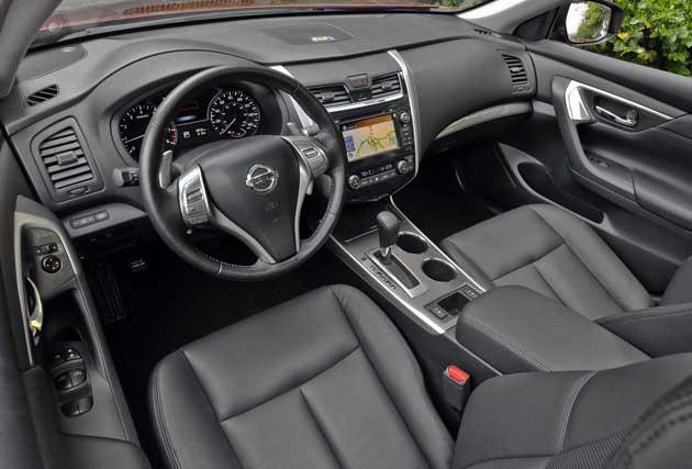 2013-Nissan-Altima-dash