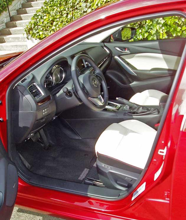 2014-Mazda6-Int