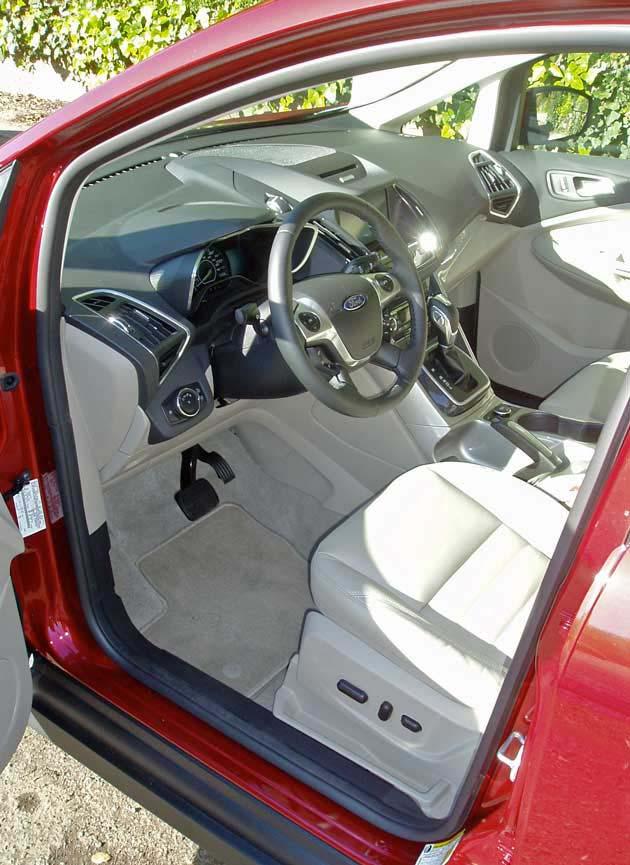 Ford-C-MAX Hybrid-Int