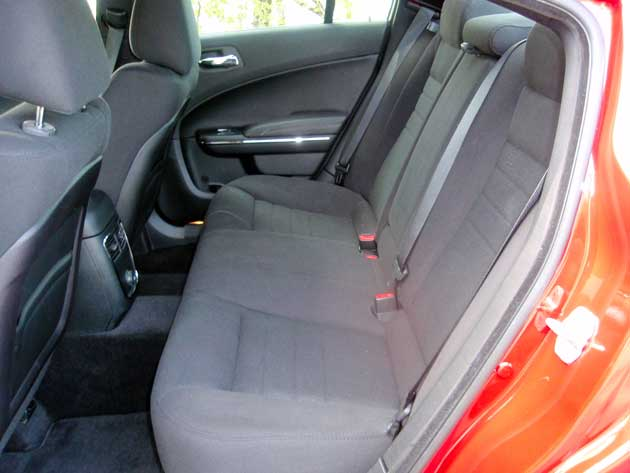 2013-Dodge-Charger-Rseat