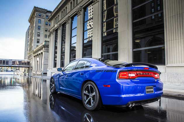 2013-Dodge-Charger-rear
