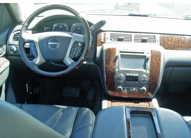 2013-GMC-Yukon-XL-Denali-Int