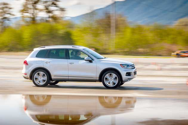Volkswagen-Touareg-TDI-On-road