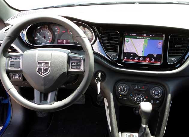 2012-Dodge-Dart-Rallye-inte
