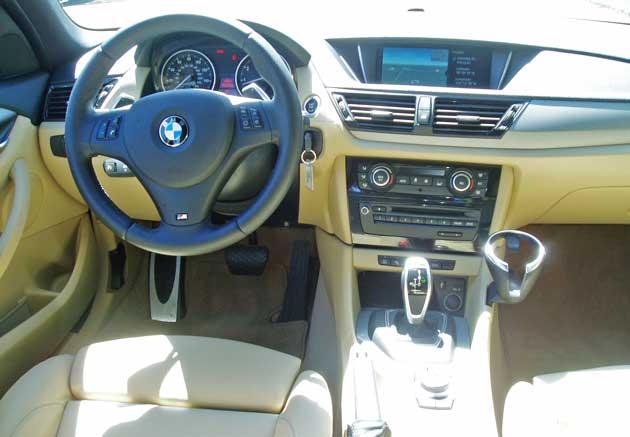 2013-BMW-X1-xDrive28i-Dsh