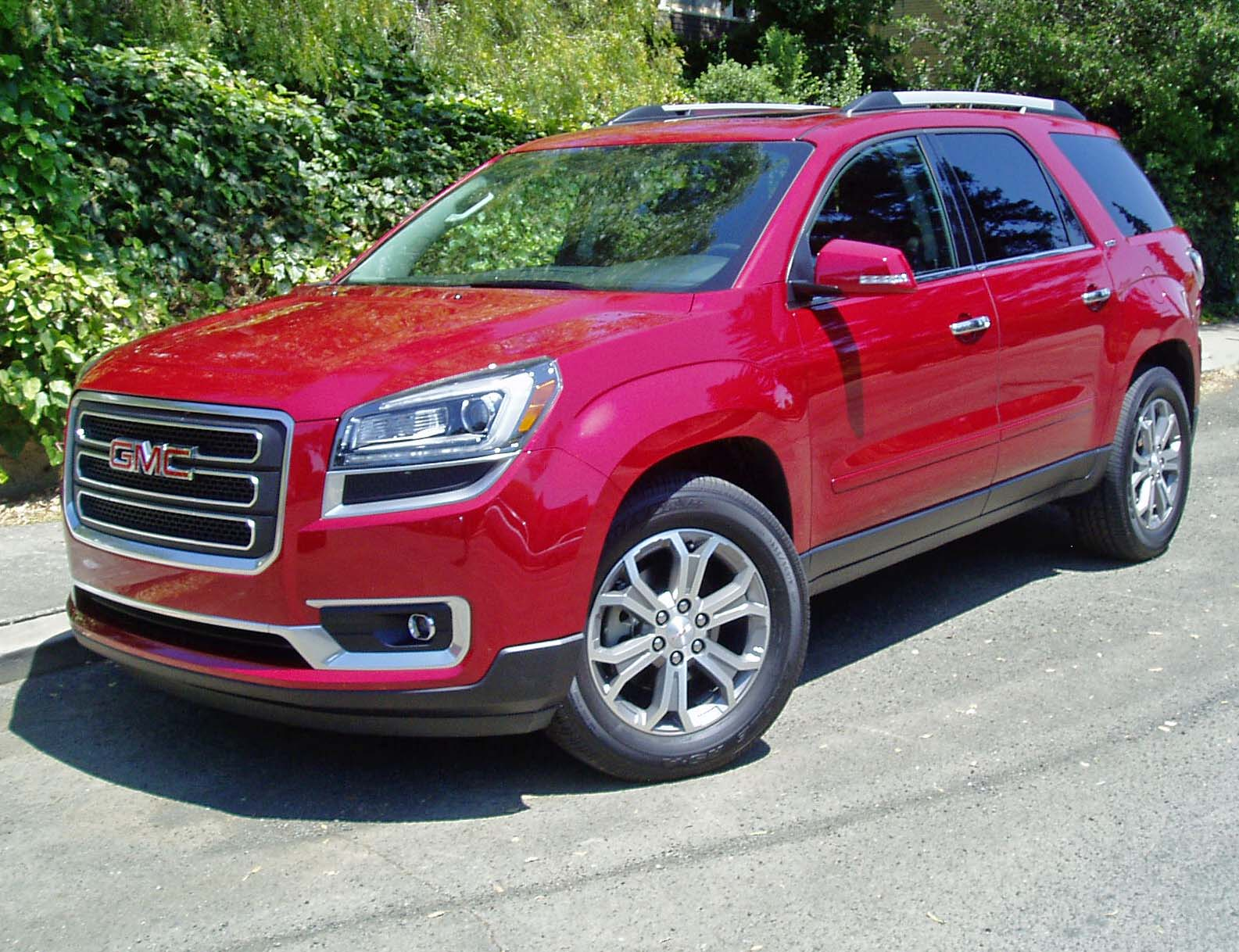 2013 gmc acadia test drive our auto expert. Black Bedroom Furniture Sets. Home Design Ideas