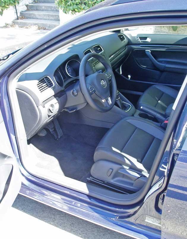 2013-VW-Jetta-SportWagen-TDI-Int