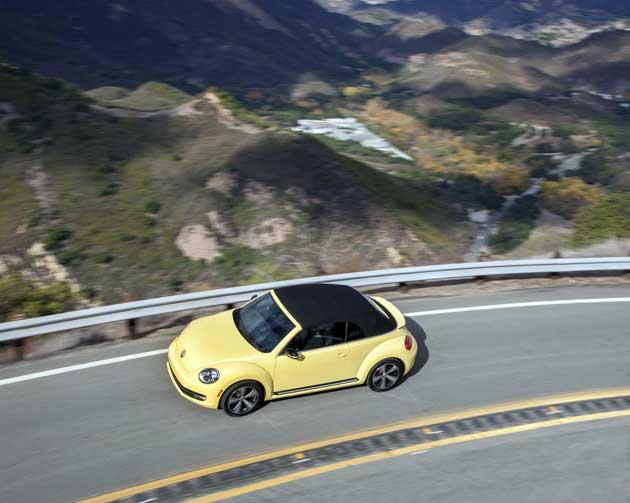 2013-Volkswagen-Beetle-abov