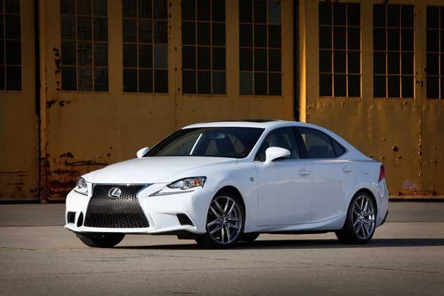 2014-Lexus-IS-front-quart.