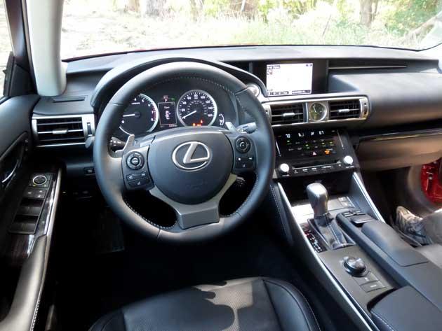 2014-Lexus-IS-interior