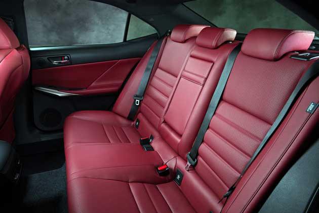 2014-Lexus-IS-rear-seat