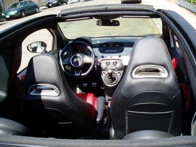 2013-Fiat-500C-Abarth-Cabrio-T0-Int