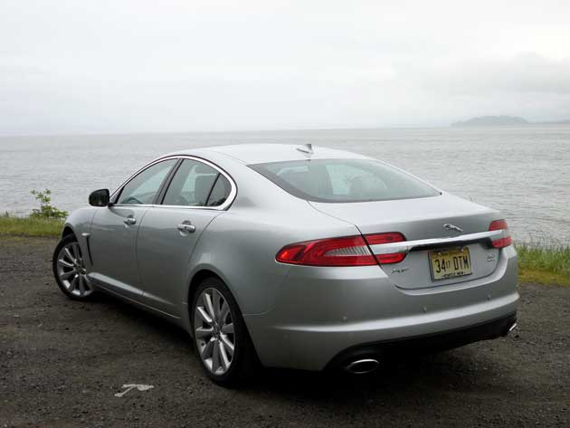 2013-Jaguar-XF-rear