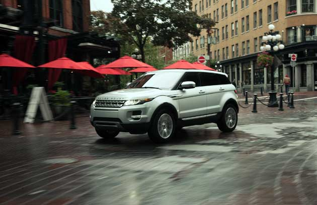 2013-Land-Rover-Evoque-city